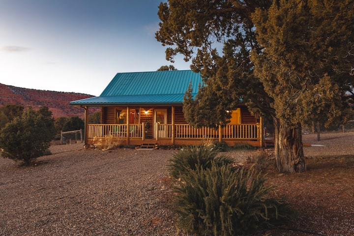 Sage Haven Authentic Log Cabin Privacy & Views