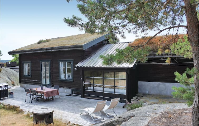 Holiday cottage with 3 bedrooms on 132 m² in Kragerø