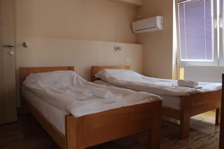 Soba broj 4 dvokrevetna bez doručka