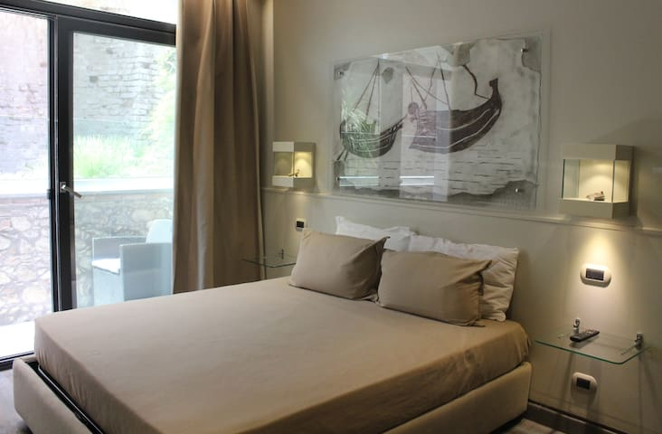 Le Jardin Romain - luxury apartment in the centre