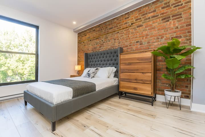 Glamorous Lofts du Parc Lahaie Mile End - 302