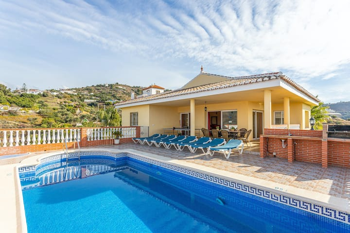 Stunning villa boasting ocean views, private pool, ping-pong table & central AC