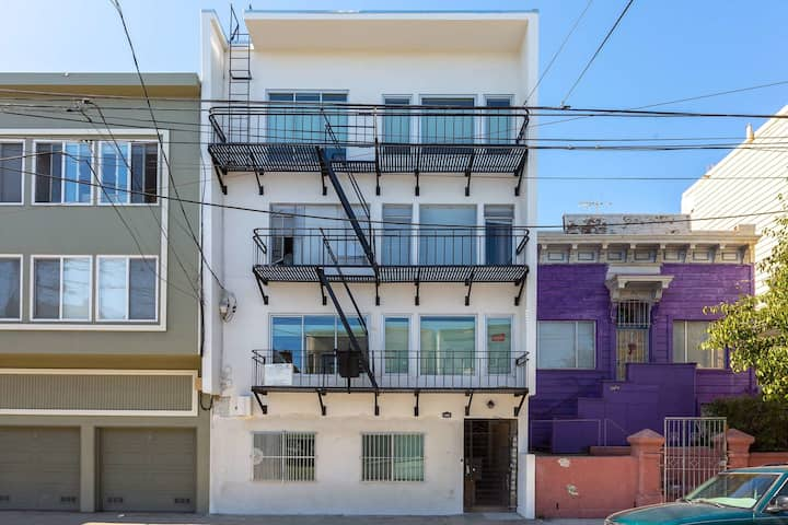 Top Floor Newly Renovated Private Suite in Mission District
