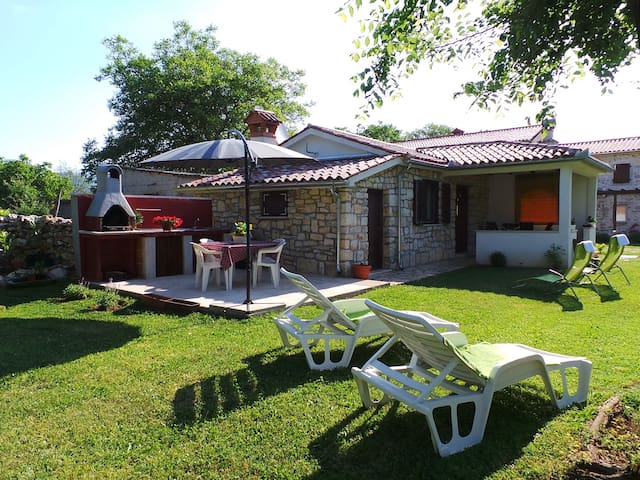 House for 2+2 persons with WLAN in Kršan R78923