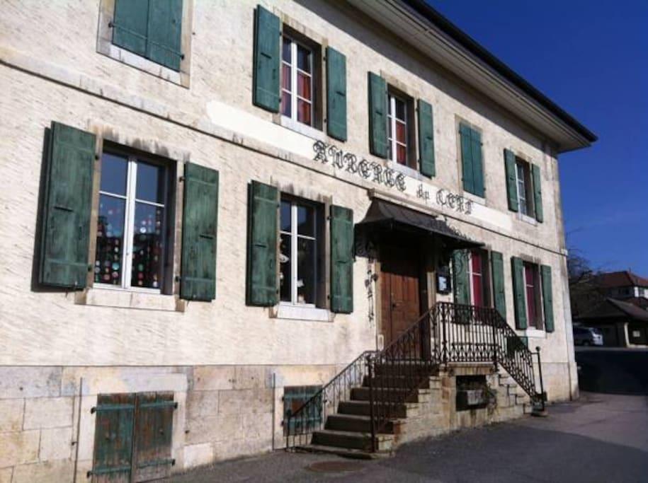 Chez epicure grande chambre chambres d 39 h tes louer for Chambre d hote suisse