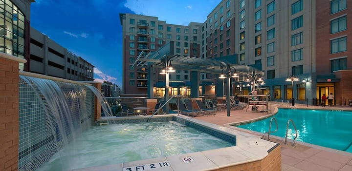1bdrm near Gaylord Convention, MGM & Much more!