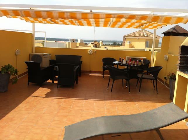 Bungalow near the Beach and sentrum - Torrelamata - Appartement