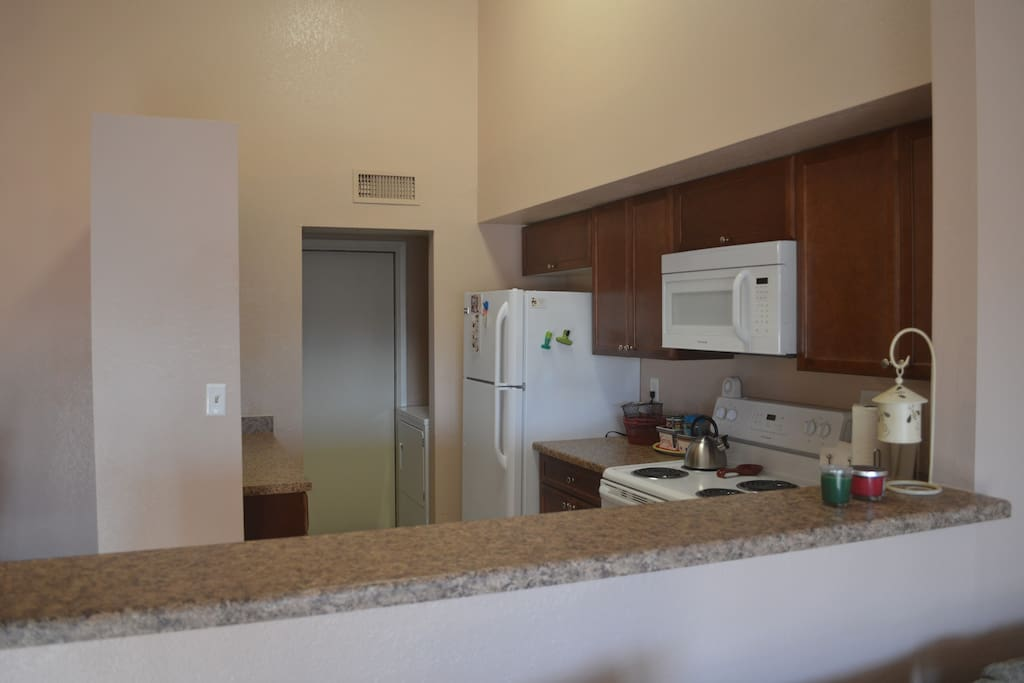 Full kitchen, with washer/dryer in pantry