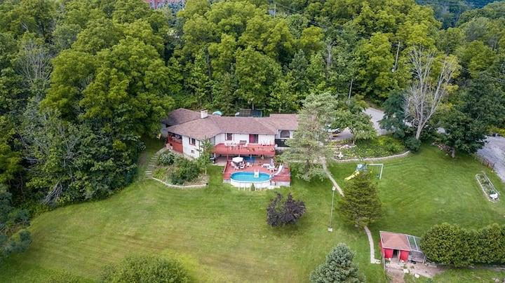 Sunnybrook Farm Garden-level Guest Suite