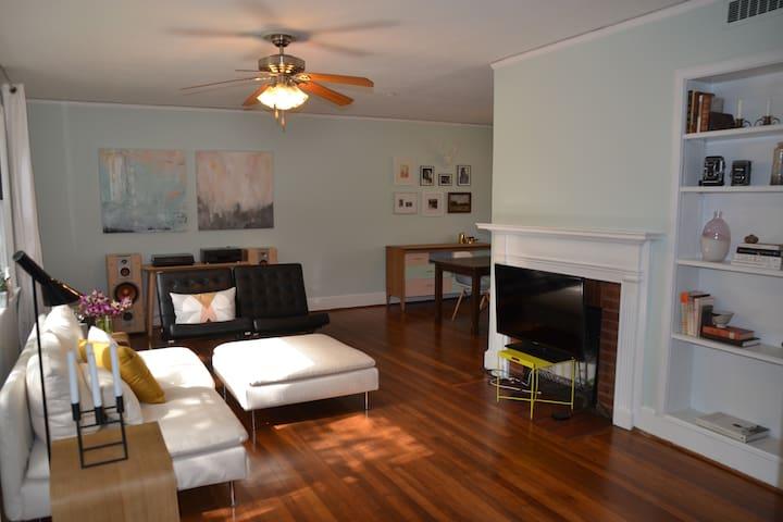 Stylish apartment in historic neighborhood - Athena - Apartemen