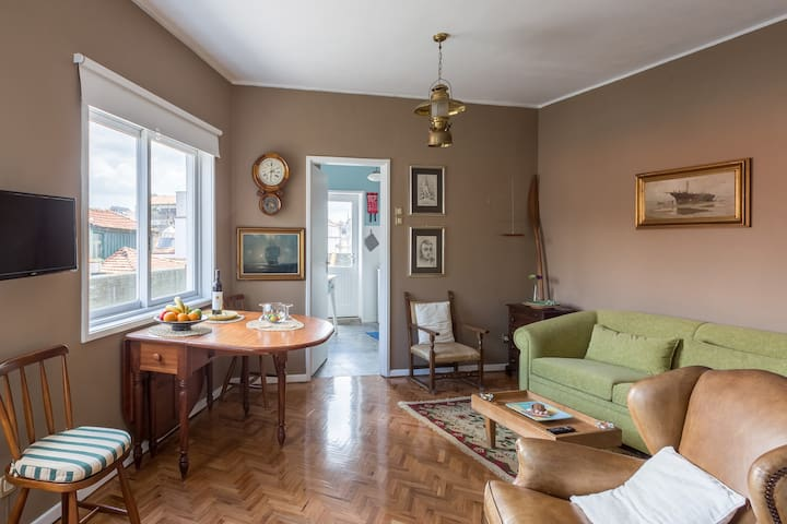 2 Oporto City Center - sleeps 4, 3 beds