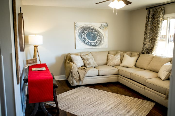 Best vacation rental in Salina, Ks. 3bdrms/1 bath