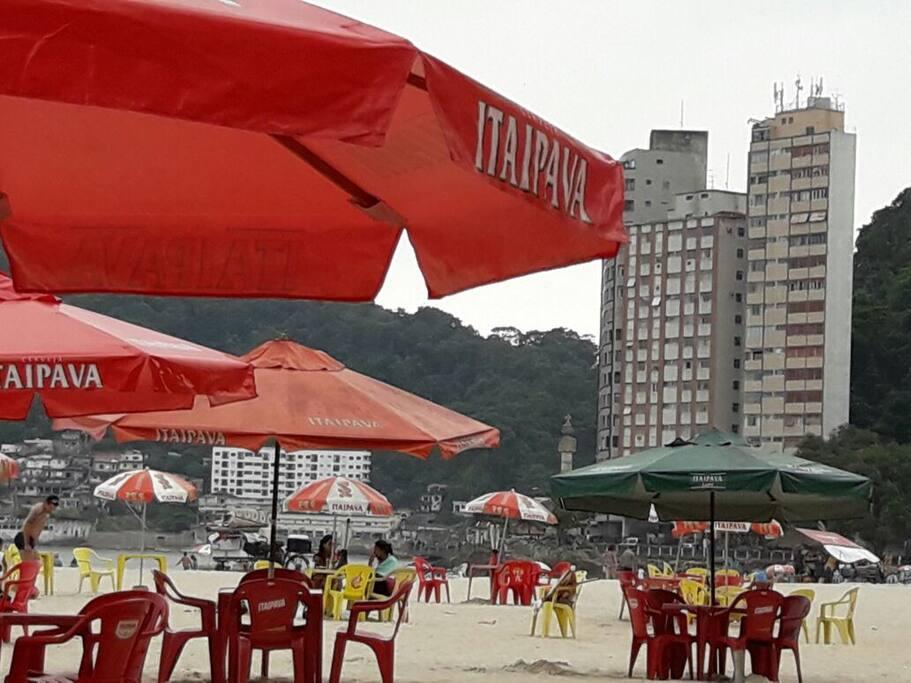 Edifício Martim Afonso (na esquerda)