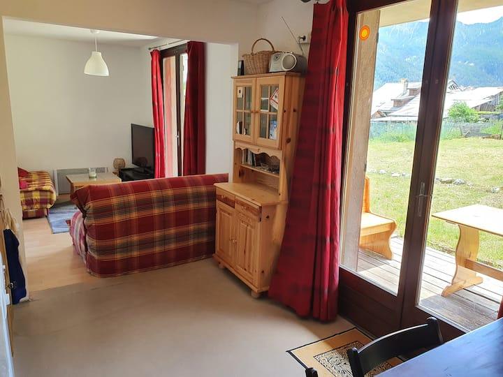 Appartement avec terrasses et jardin