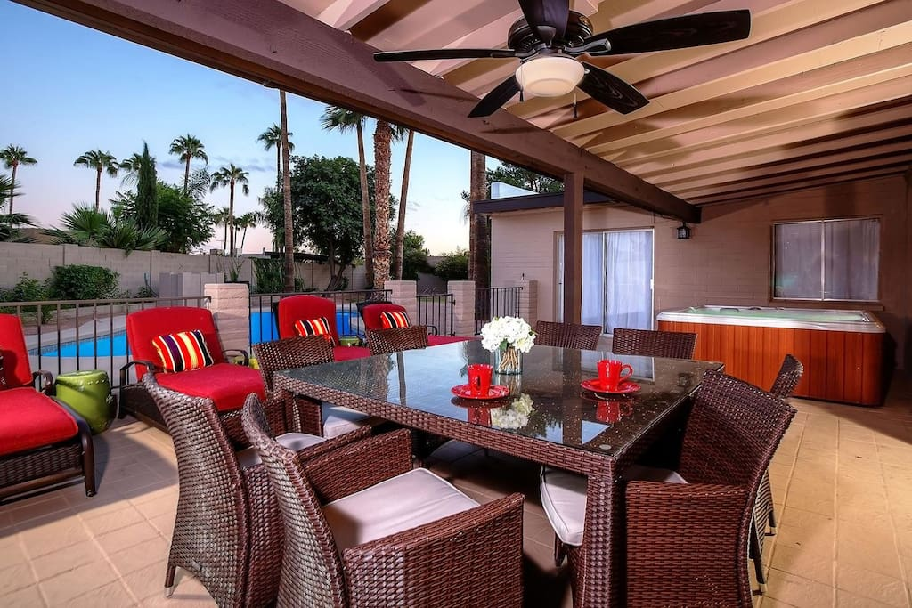 Patio outdoor dining area ,spa and chaise lounges!