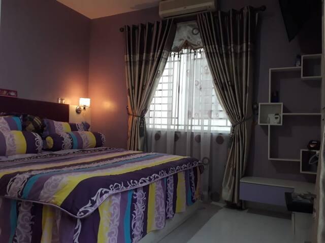 A Comfy Monie's House in Batam Western Area. 6 Pax