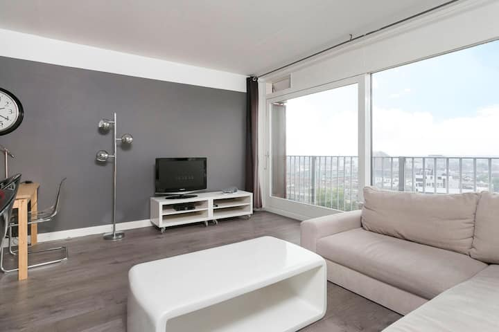 City centre apartment with a beautiful view!