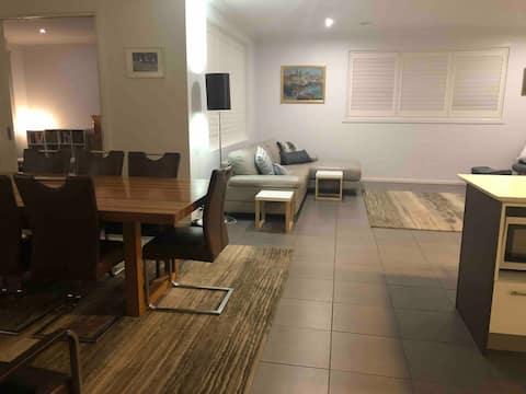Modern 4 bedroom Lakeside residential home