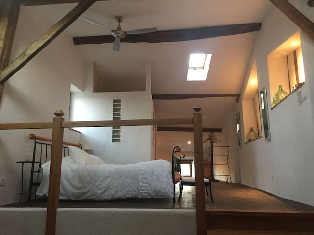 Newly renovated third level provides an additional queen bedroom with ensuite and  lounge area with tea & coffee facilities.