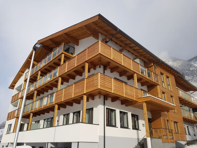 """Luxury Appartment """"Chalet Waterfall"""""""