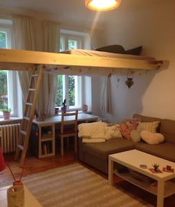 Lovely apartment in quite neighborhood - Berlin