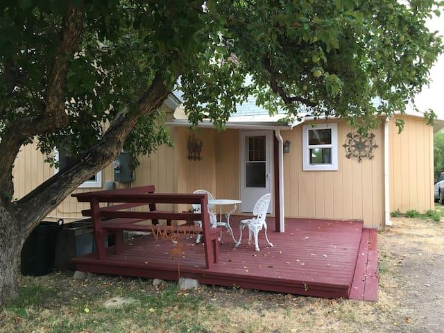 Creekside Cottage, Sheridan MT