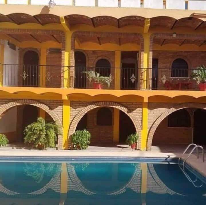 Bungalow para 4 personas with full facilities