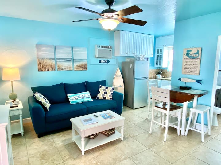 Fall Deals!  Updated 1BD/2BA, Beach&Pool