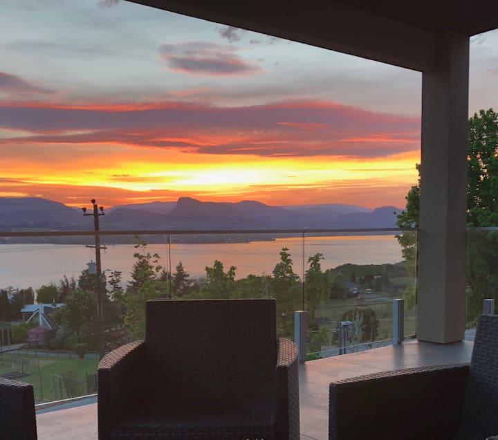 Amazing Lake View - Relaxing Naramata Bench Home