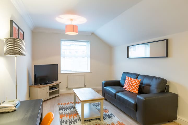 Deluxe 2 Bedroom Apartment at Stanshawe Court by House of Fisher