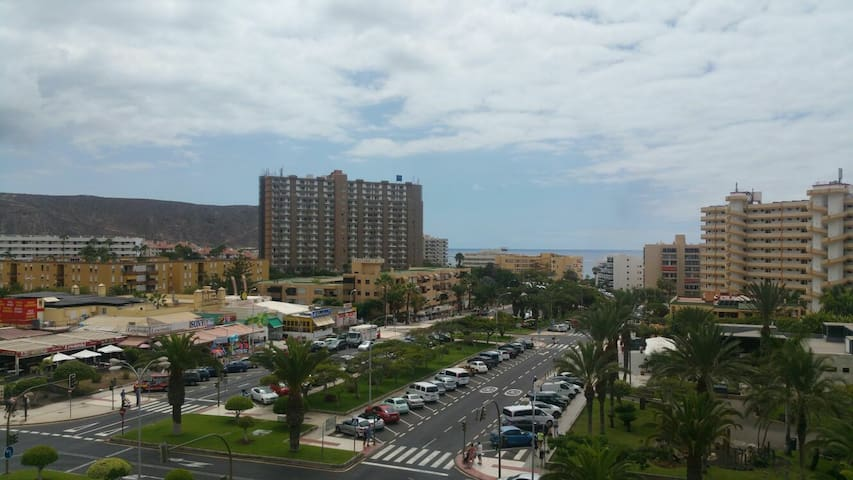 Large partment in Los Cristianos. Near the beach.