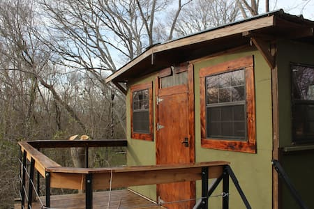 Treehouse on a private spring fed creek