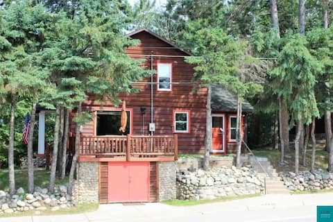 Airbnb Restored Rustic In-Town Cabin - Ely, MN