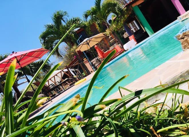 Villa Mira Luna, hospedaje, restaurante,piscna