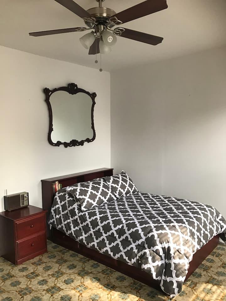 Sweet 2 Bedroom In South BK