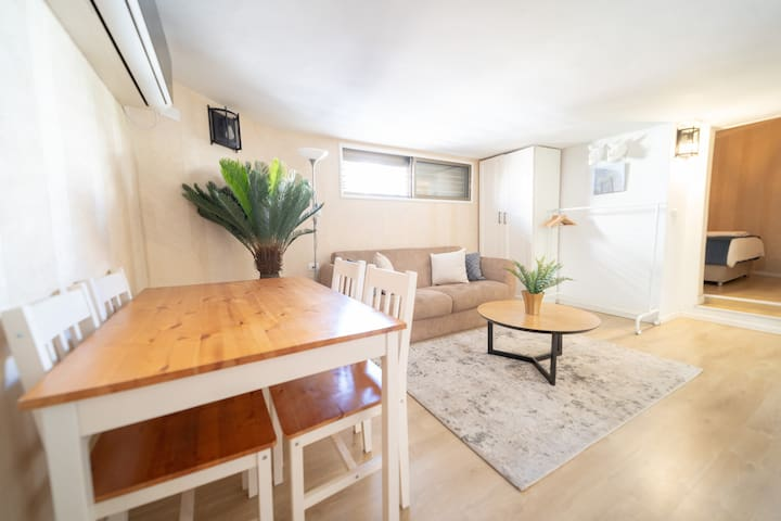 Cozy 1BR apartment- 3 min from the beach-YalaRent