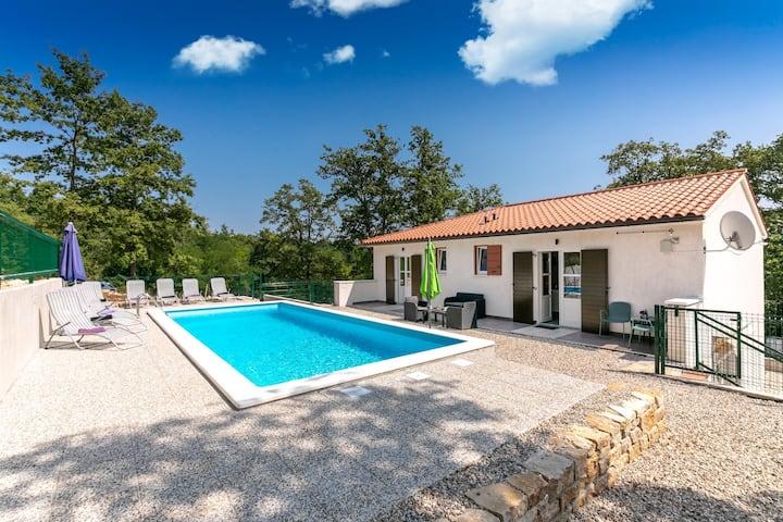 Casa Montovani with swimming pool