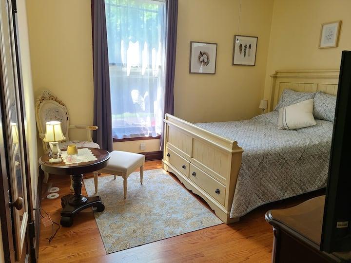 Willow Suite @ Cherry Tree Inn B&B