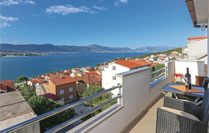 Stunning home in Mastrinka with 2 Bedrooms