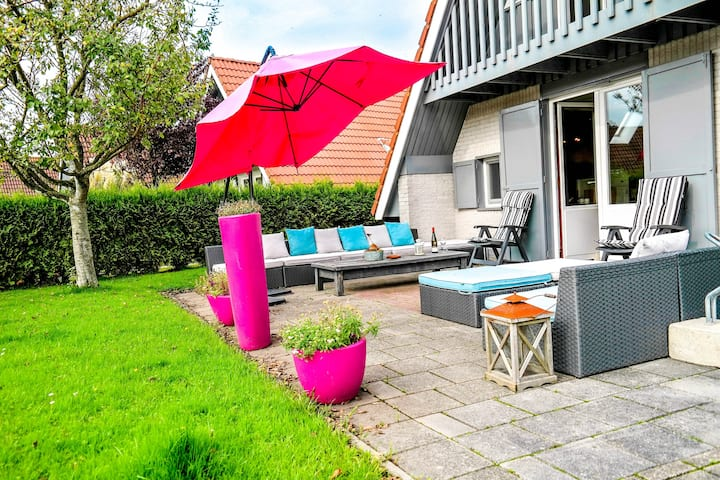 6 pers. Sunny house with equipped terrace