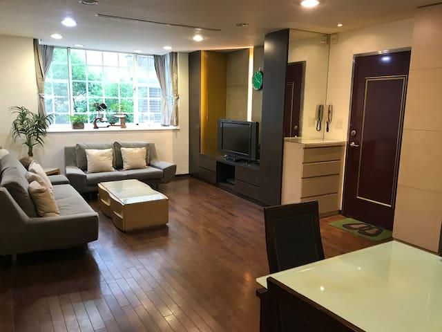 松江南京 捷運行天宮1分鐘 機場直達巴士 中山商圈 小巨蛋「B房間 日式雅房 浴室共用 溫馨舒適 」