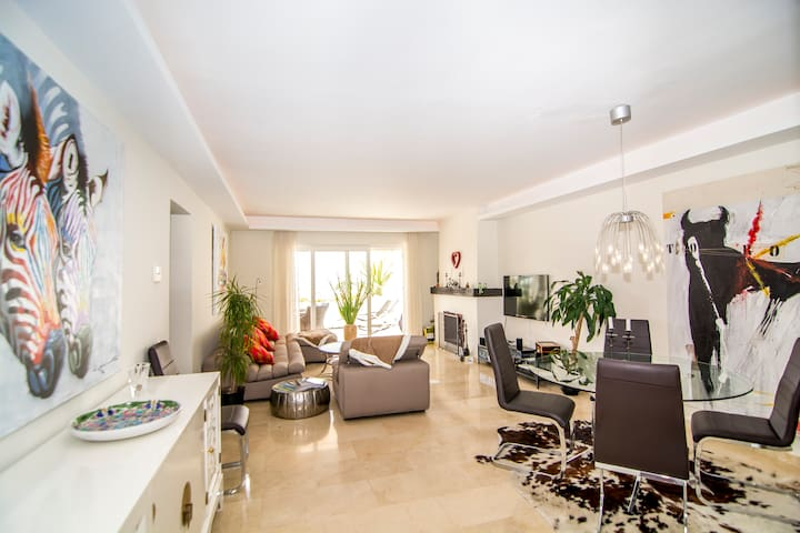 Luxury 2 bedroom apt perfcect location-AGC - Marbella - Wohnung