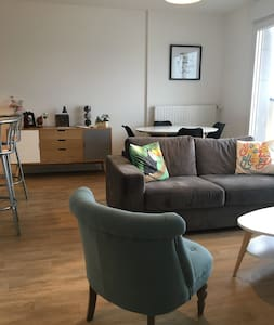 Flat close to the beach and old town