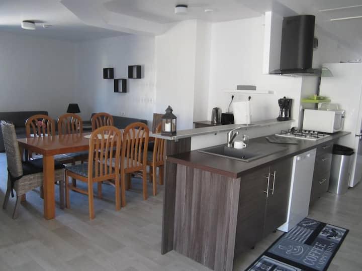Appartement 3chambres 3sdb avec petit jardin