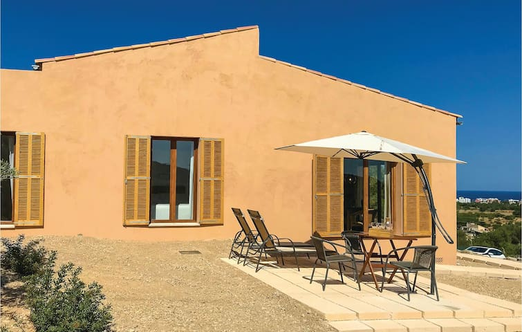 Holiday cottage with 1 bedroom on 63m² in Son Carrió