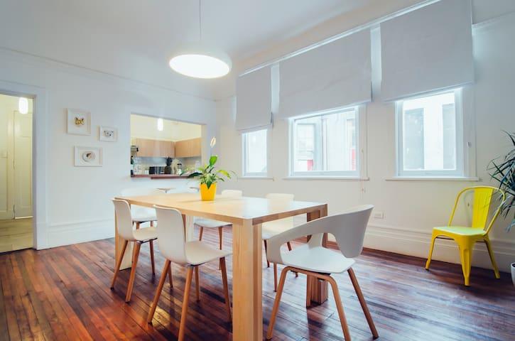 Habitación privada en hermoso hostel c/ desayuno
