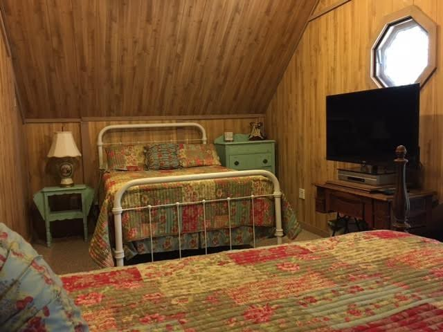 "Country Living- #1 of 4 rooms, ""Attic Nook"""