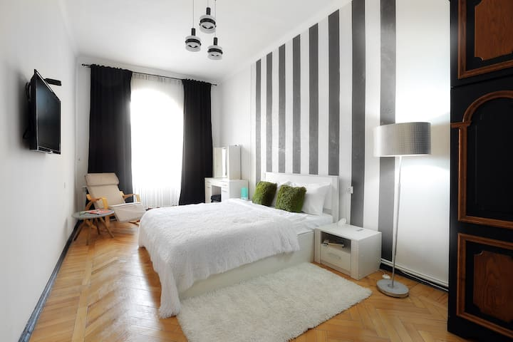 Bedroom - come to this peaceful bedroom and have a snooze, wake-up to an adventures day
