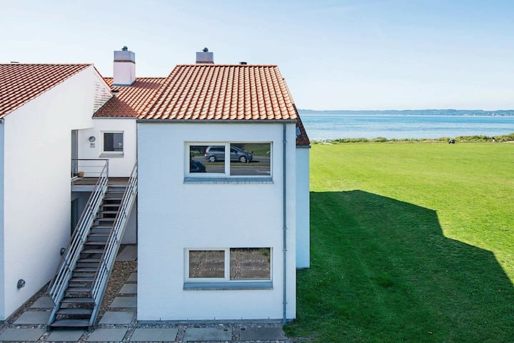 Spacious Apartment with Indoor Whirlpool at Ebeltoft Jutland
