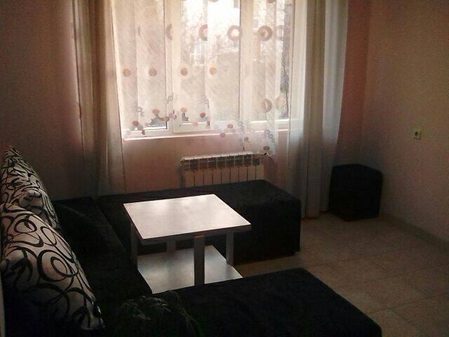 Обща стая за туристи. Цена е от 11 лв на легло.